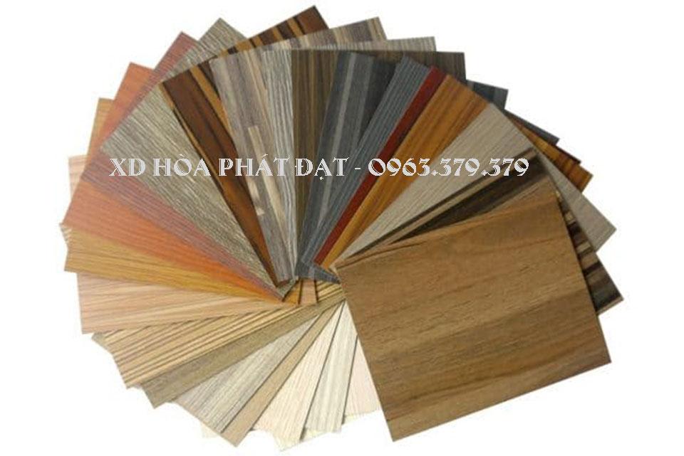 ốp-tường-vân-gỗ-các-loại-bằng-nhựa-pvc-giá-rẻ
